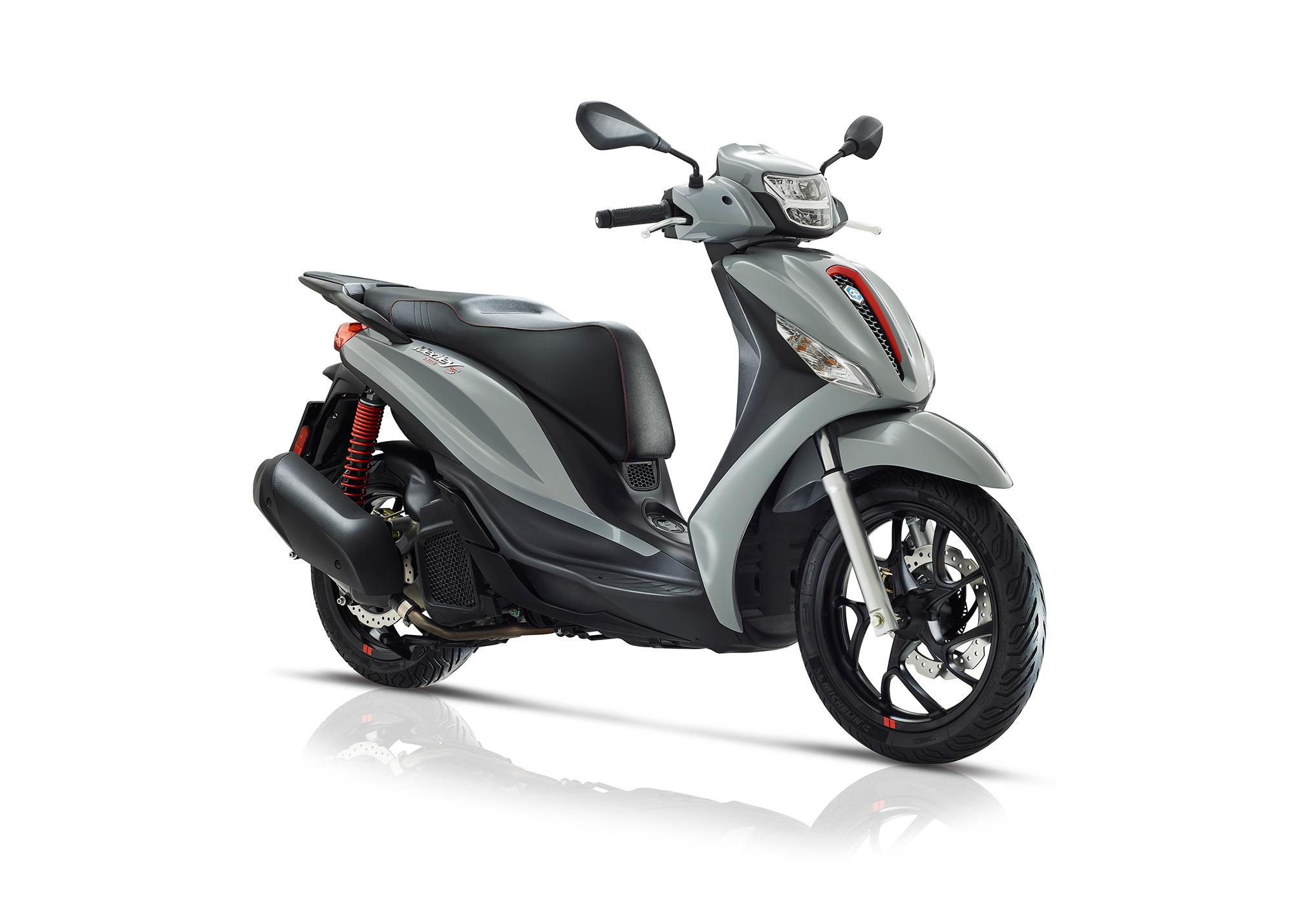 Moped-Piaggio-medleyS-grigio