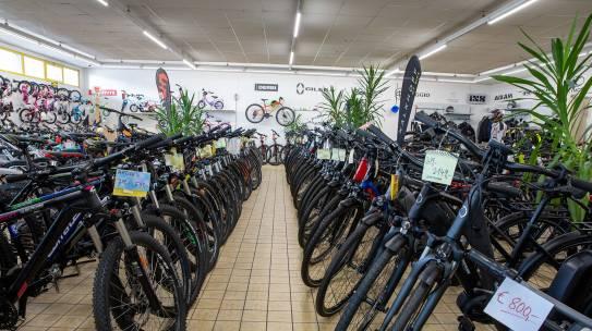 Große Auswahl an E-Bike lagernd